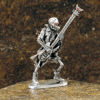 Skeleton-figurine-bass
